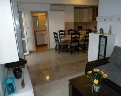 Ap.1 bungalo- living room, dinning room, bathroom 1