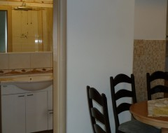 Ap.1 bungalo bathroom 1 and dinning room jpg