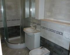Ap.7,8,9,10, bathroom s