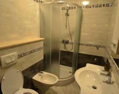 Ap.7,8,9,10 bathroom