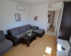 Ap.7,8,9,10 living room
