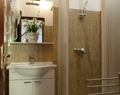 Ap-6-Family studio- bathroom