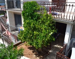 Ap.2 comfort garden in front of apartment jpg